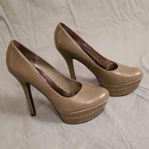 Carlos Heals size 7 Frisky 2 Taupe